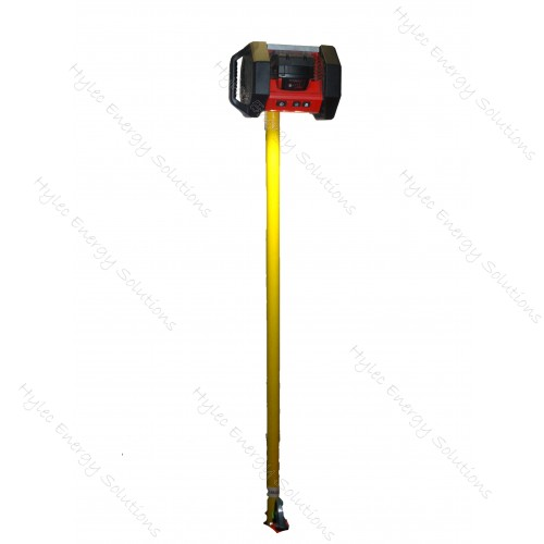 Light pole with Crossarm Clamp